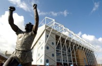 billy bremner  statue at Elland Road (Large)